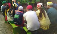 Pai Alexandre de Oya se reúne com filhos que irão assentar orixás